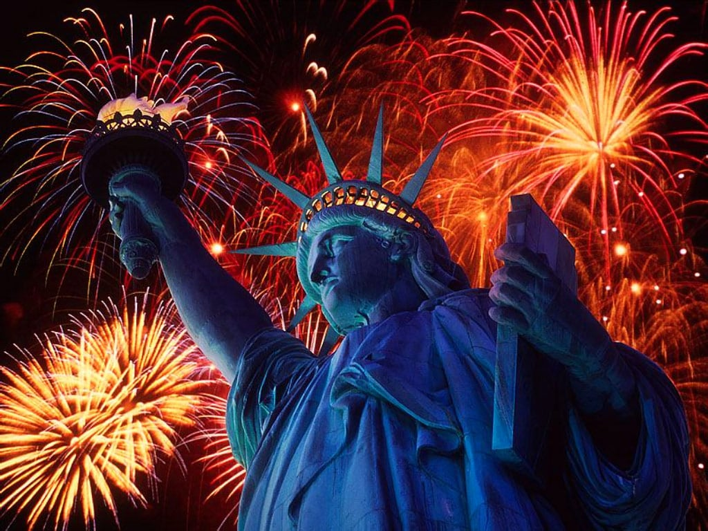 fireworks:statue of liberty