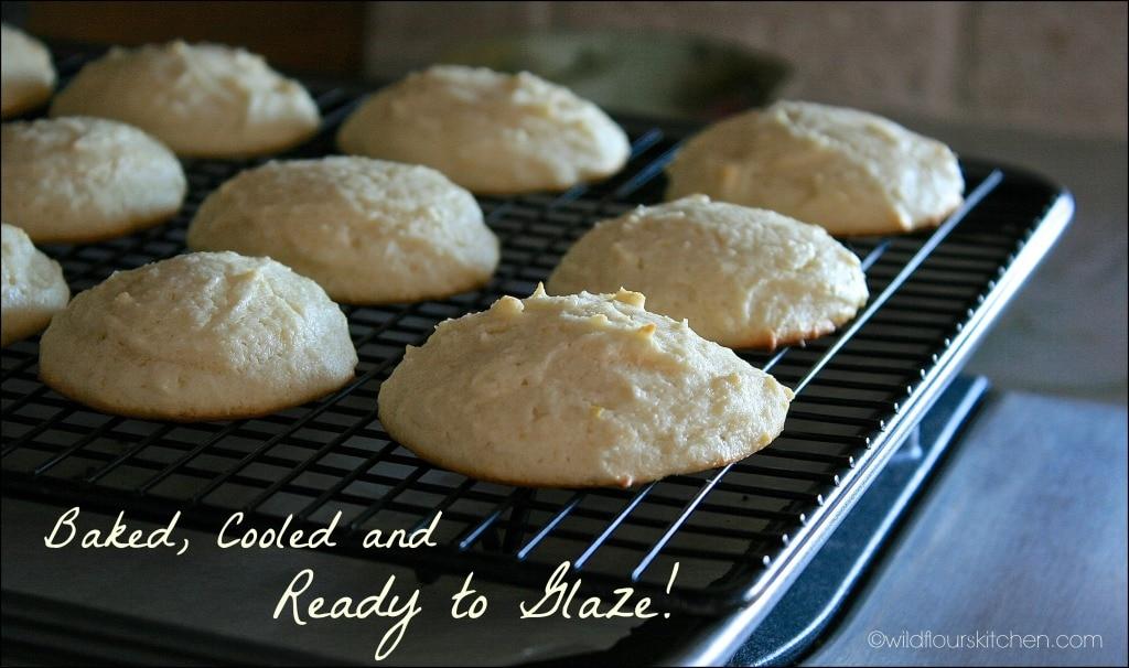 lemon ricotta cookies cooled