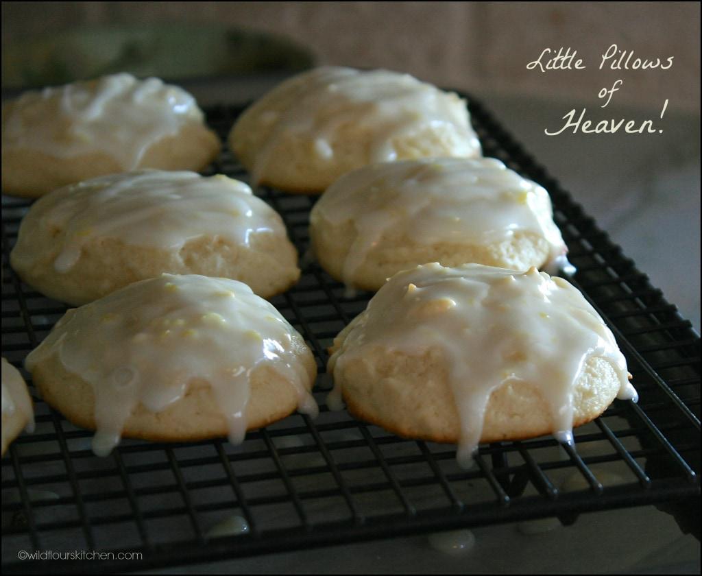 lemon ricotta cookies glazed closer