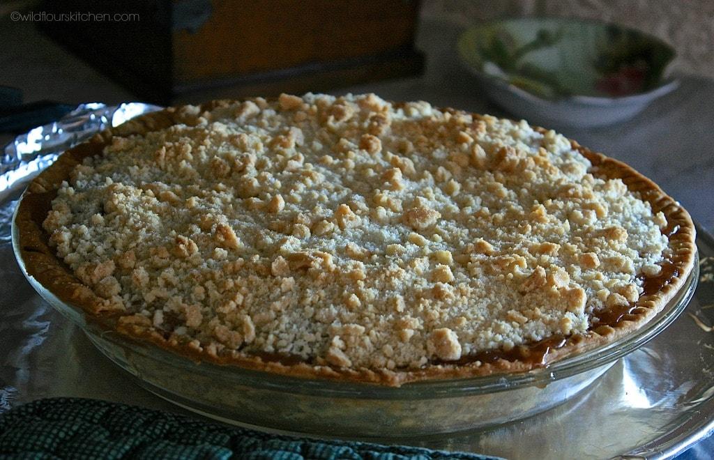apple 'n pear pie whole