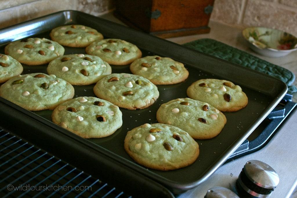 pistachio cookies baked