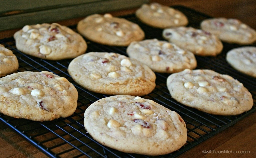 strawberry chsck cookies baked