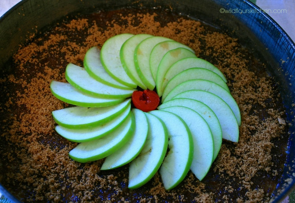 apples on cake