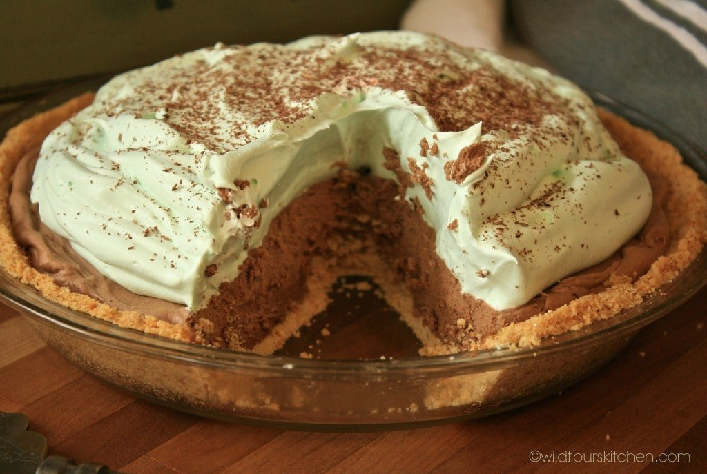 choc mint pie cut