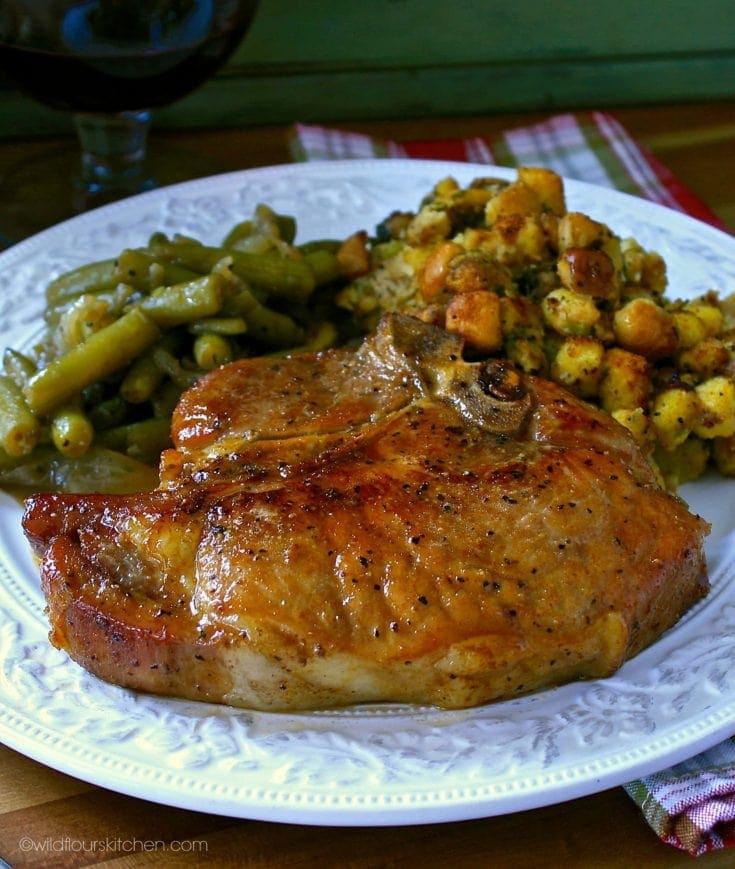 Cast Iron Skillet Garlic & Brown Sugar Pork Chops