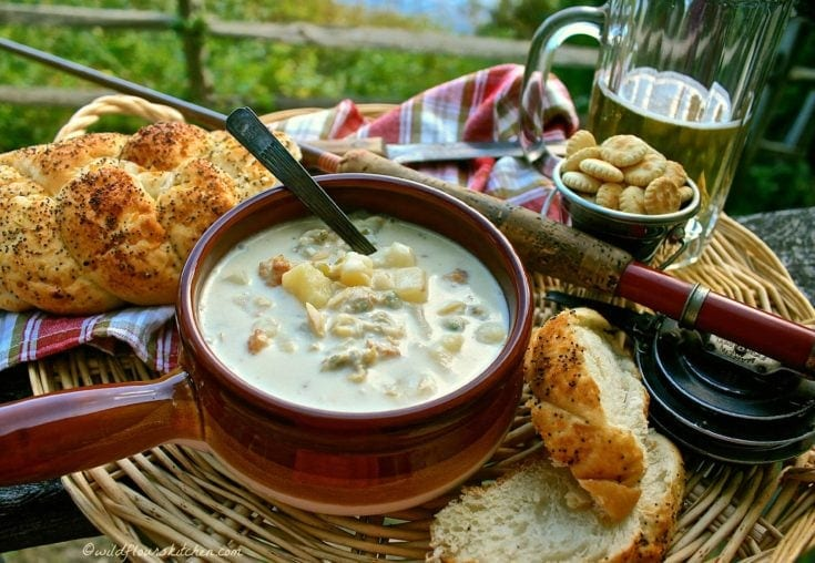 Creamy New England Clam Chowder II (For Those Who Like It Thick)