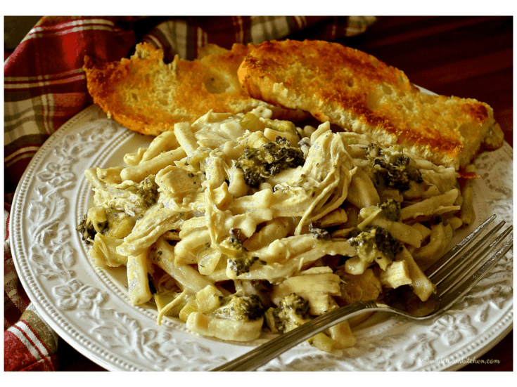 Chicken 'n Noodles with Broccoli & Mushrooms